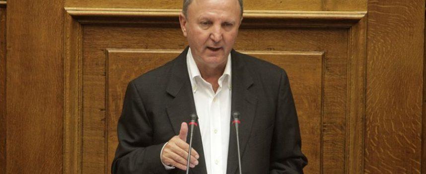 Ο Σάκης Παπαδόπουλος του ΣΥΡΙΖΑ παραδέχθηκε ότι ζημίωσαν τη χώρα το πρώτο εξάμηνο του 2015! «30-35 δισ. ευρώ, όχι παραπάνω…»
