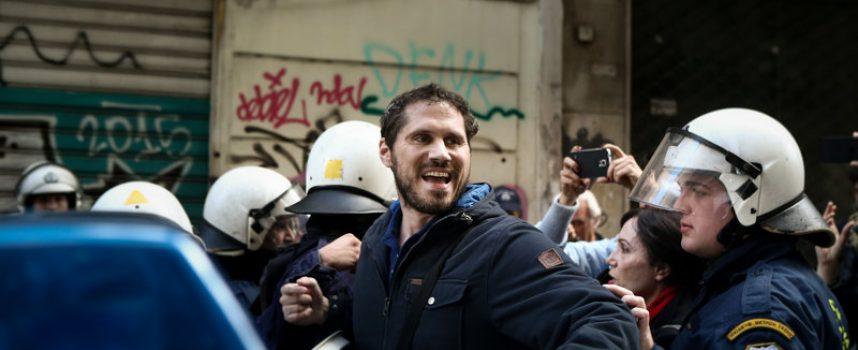 Ο ΣΥΡΙΖΑ συλλαμβάνει τον… ΣΥΡΙΖΑ!