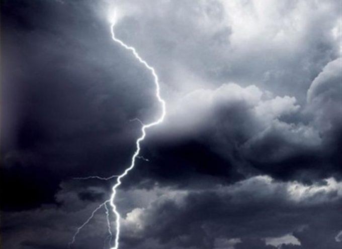 Έκτακτο δελτίο επιδείνωσης – Καταιγίδες και χαλάζι το Σαββατοκύριακο