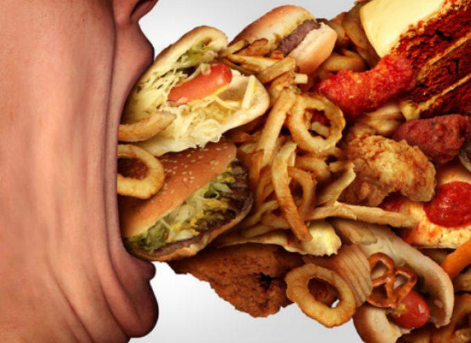 Κίνδυνος – θάνατος το junk food, σύμφωνα με νέα έρευνα