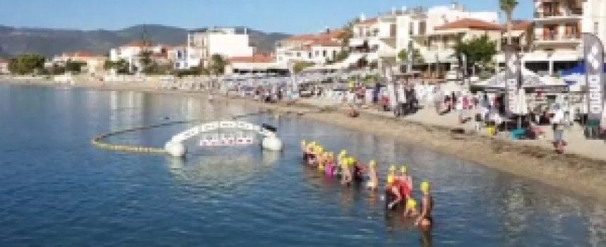 Ξεκίνησαν οι Πανελλήνιοι Κολυμβητικοί αγώνες ανοιχτής θαλάσσης στο Παράλιο Άστρος (video)
