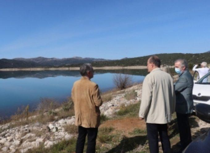 """Σημαντικό βήμα για υδατοδρόμιο στην Τάκα, η συνάντηση του περιφερειάρχη Π. Νίκα με στελέχη από τα """"Ελληνικά Υδατοδρόμια"""" και """"He…"""